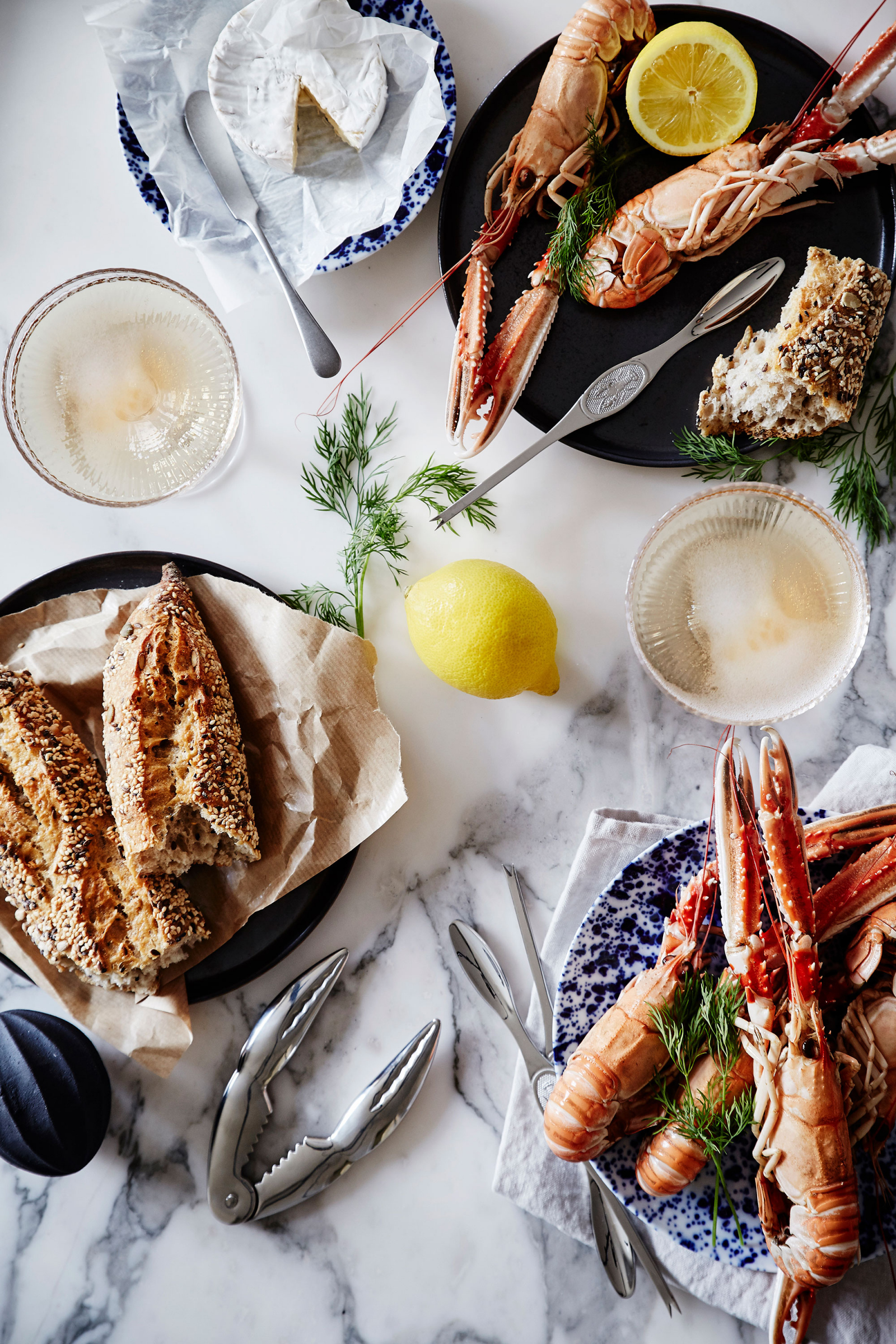 Crayfishes, snaps, singing and setting the table! Artilleriet invites You to a typical swedish CRAYFISH PARTY!