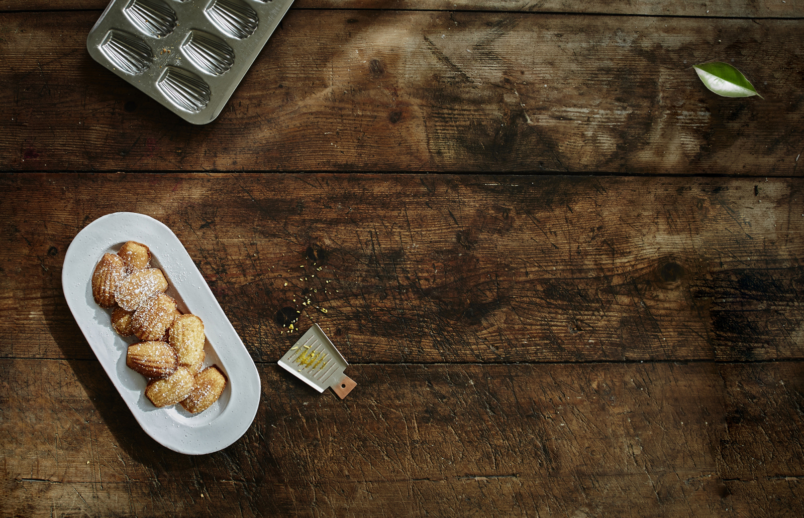 Sylvain Marron, patissier & chocolatier, is adored amongst sweet toothed Gothenburgers. Here is his recipe for the perfect Madeleine cookies!