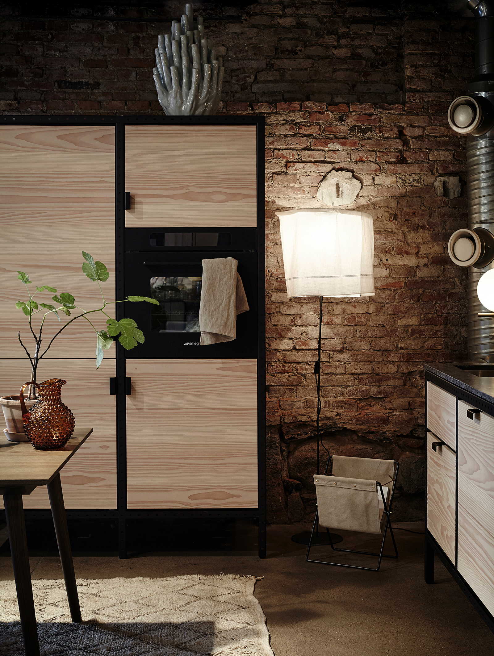 The Frama Kitchen portrays the light expression of a piece of furniture within the kitchen environment