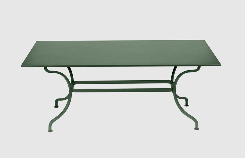 Romane Knockdown Table
