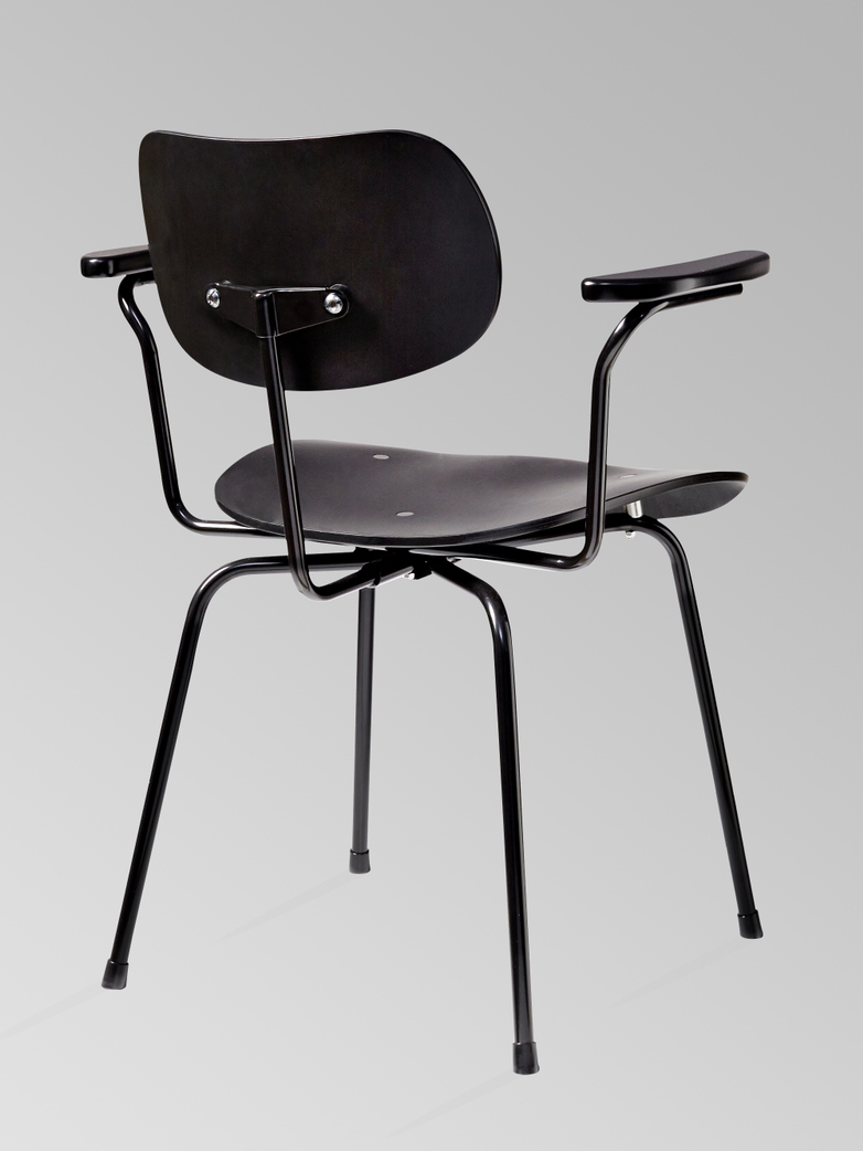 Eiermann Dining Chair SE68 With Armrest