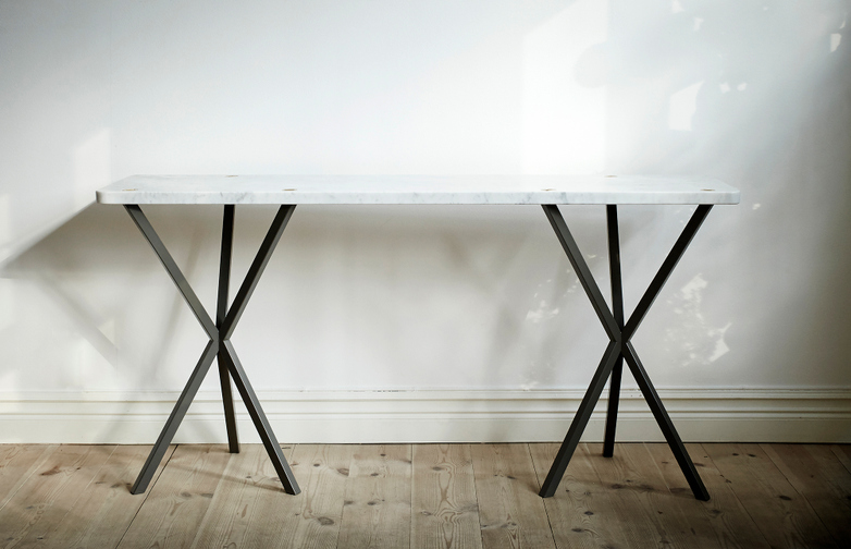 NEB Console table 03