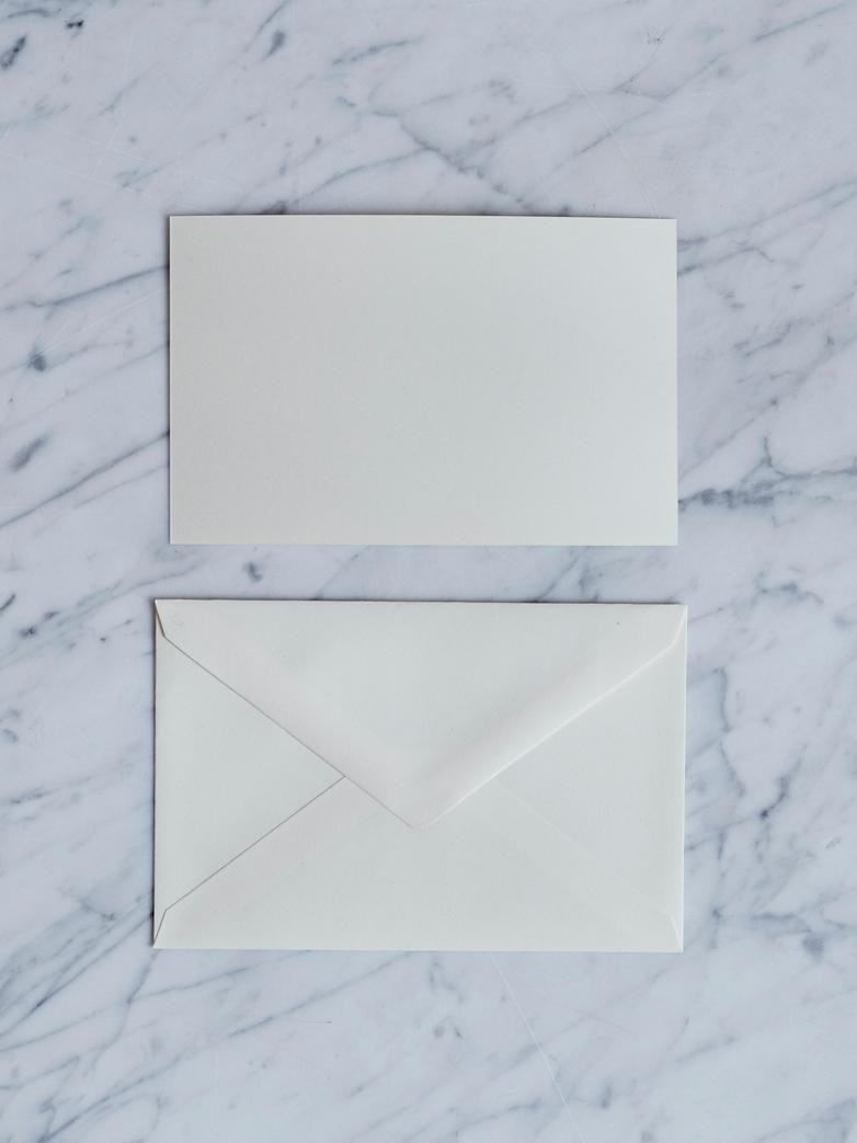 25 pcs Letter Box Cream
