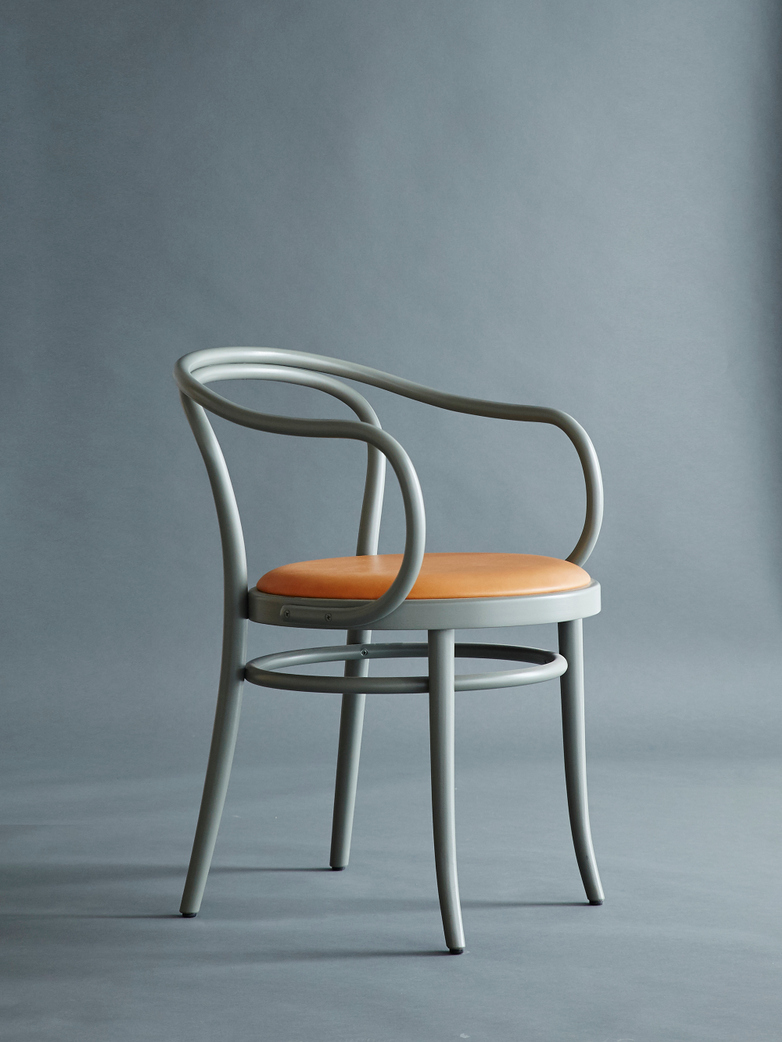 Artilleriet Edition Chair 30 Sage Tärnsjö Leather