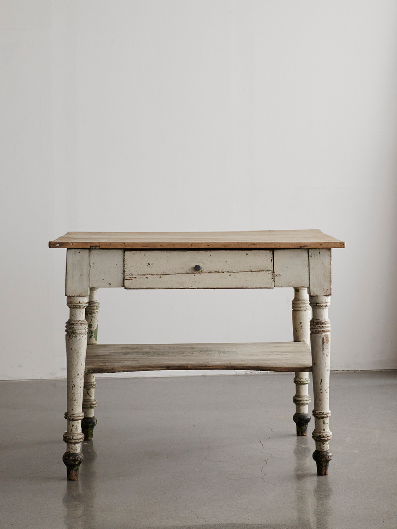 Vintage Table White