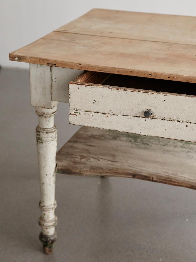 Vintage Table White