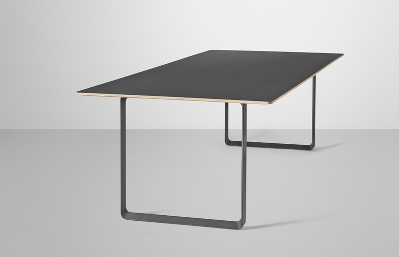 70/70 Table XL